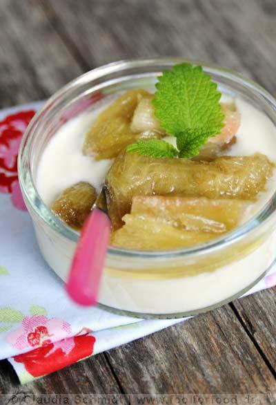 Rezept mit Bild für Kefirmousse mit Rhabarber