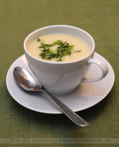 Rezept mit Bild für Kohlrabisuppe mit Kressepesto