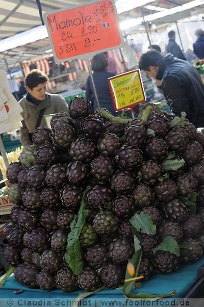 Markttag in Oerlikon - Artischocken
