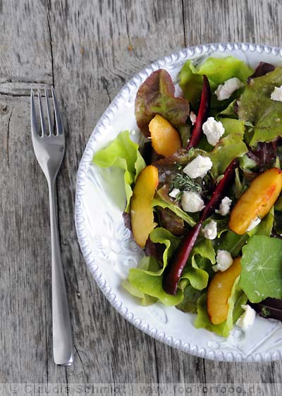 Rezept mit Bild für Salat mit Roter Bete, Nektarinen und Schafskäse