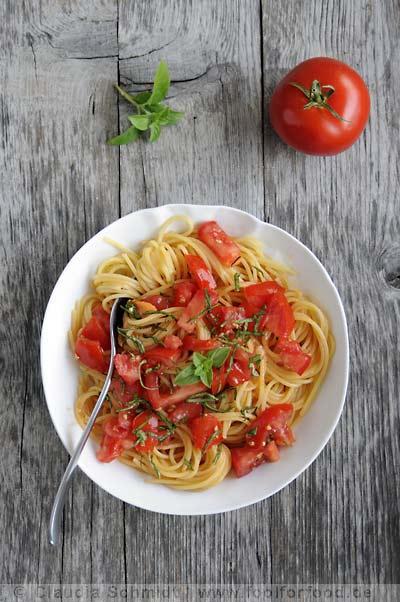 Rezept mit Bild für Spaghetti mit Tomaten und Basilikum nach Ruhlman
